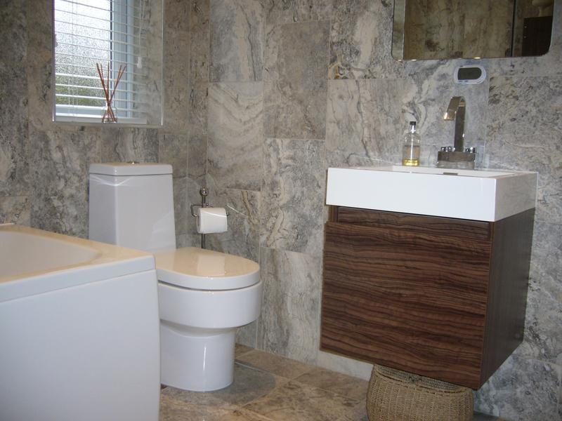 Image 2 - Bathroom  (Westcliff-on-Sea)