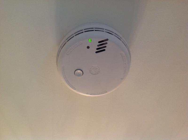 Image 11 - Mains & battery powered smoke alarms