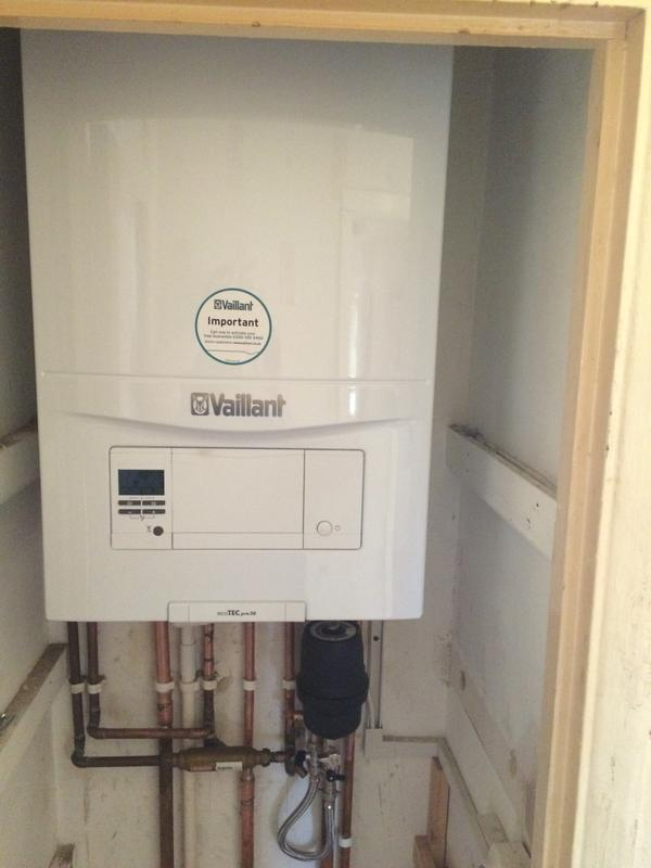 Image 12 - Vaillant 28kw combination boiler swap with Salus wireless programmable controls 5 year warranty