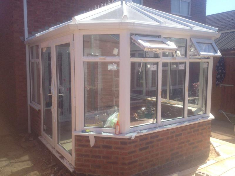 Image 8 - stretched Victorian with sun shade blue roof.