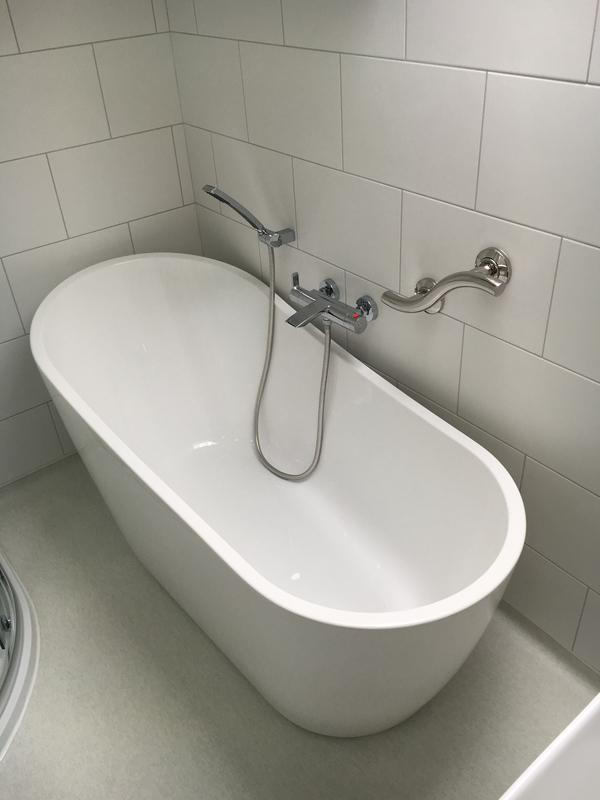 Image 16 - Double End Bath Tub With Wall Mounted Thermostatic Taps & Flexi Hose