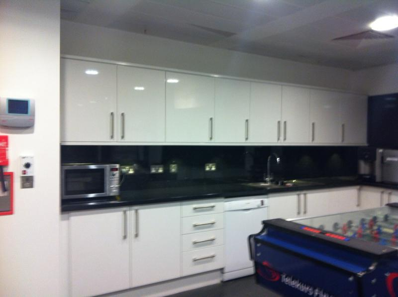 Image 3 - fitted kitchen in liverpool st