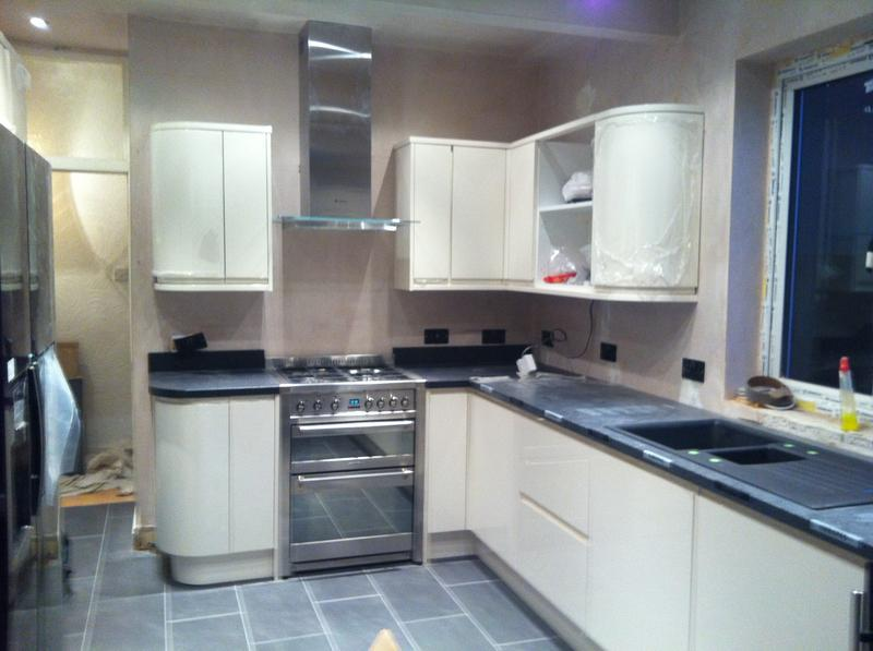 Image 1 - fitted kitchen in wallington