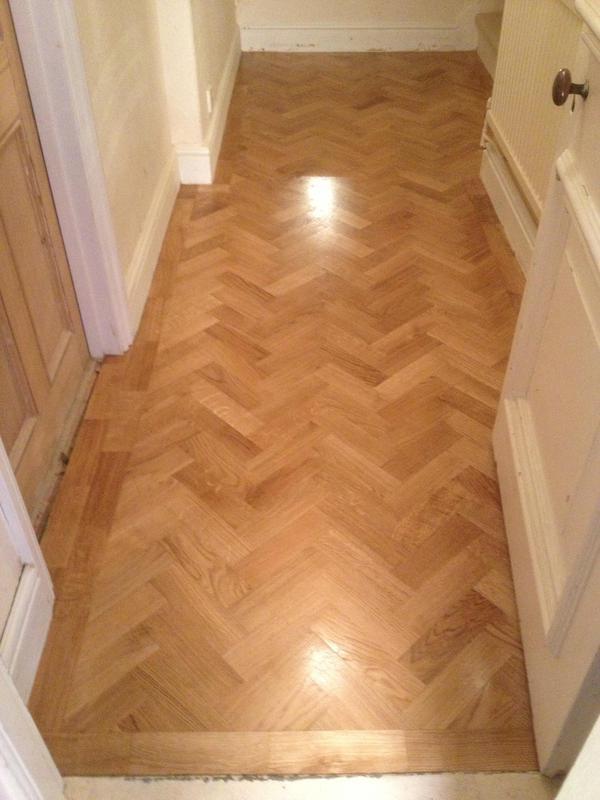 Image 28 - Oak herringbone floor