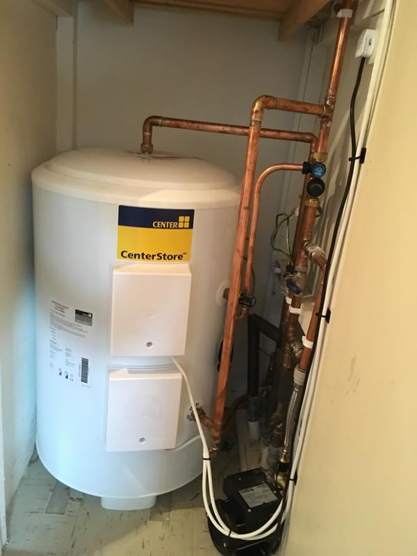 Image 25 - New un -vented Cylinder with main water pump. 2/2