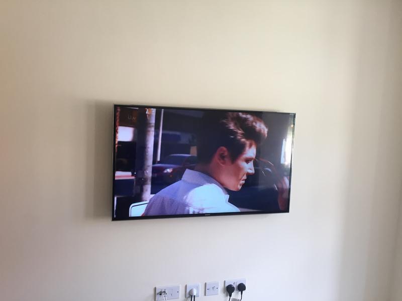 """Image 14 - 42"""" TV Wall mount"""