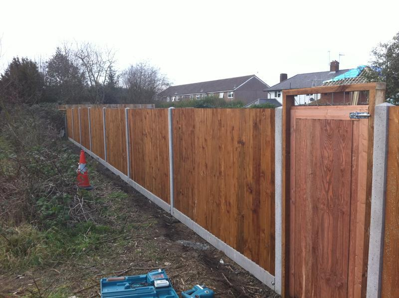 Image 3 - close-board fencing completed