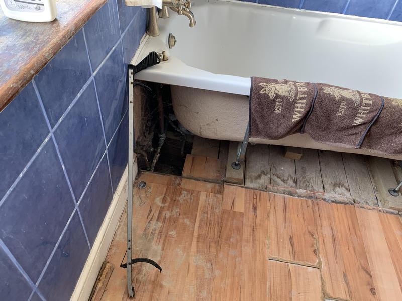 Image 18 - Sundridge Park original bathroom
