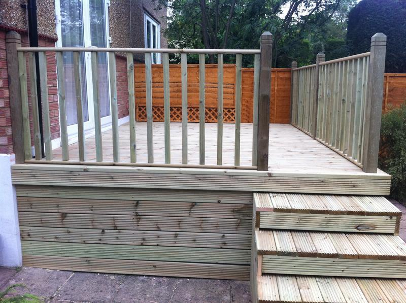 Image 8 - raised deck area with balustrade and steps