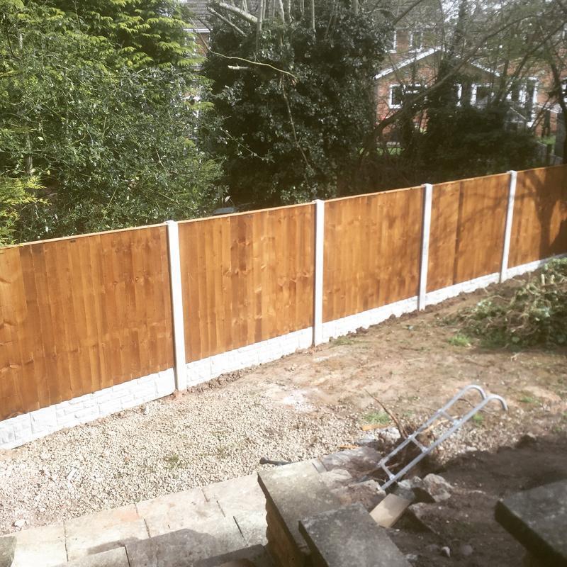 Image 69 - Concrete feather edge fence,