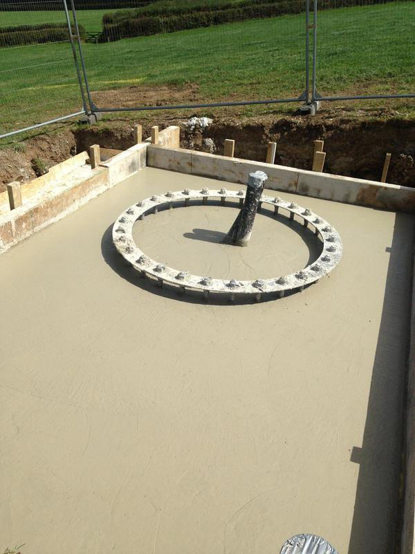 Image 16 - Base and holding down bolt ring for a wind turbine