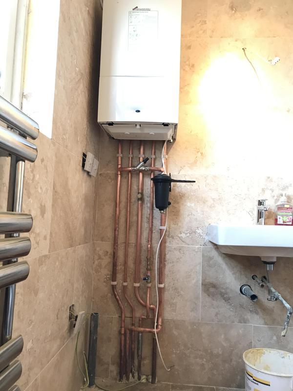 Image 14 - Worcester Bosch combi boiler install