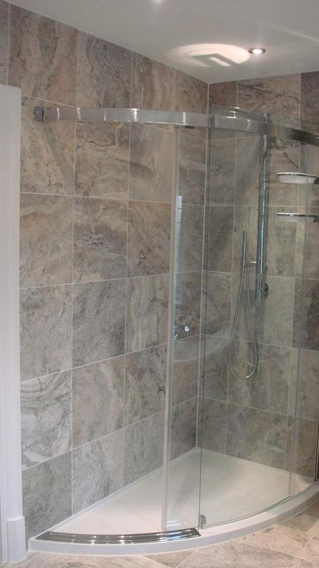 Image 16 - Silver Travertine Walls and Floor
