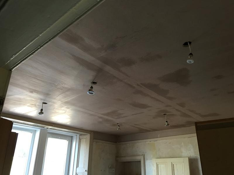 Image 20 - A newly finished ceiling.