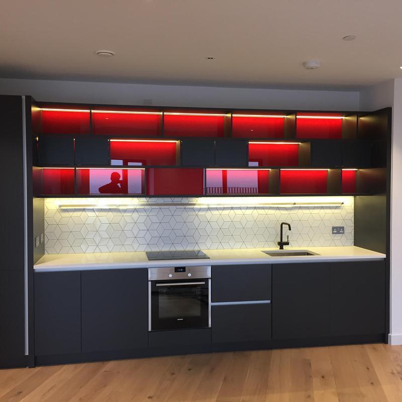 Image 15 - Kitchen