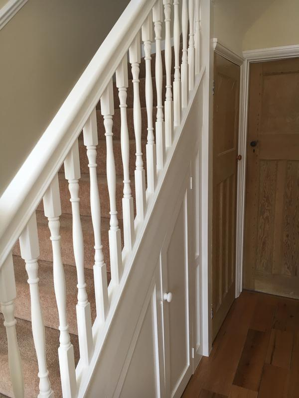 Image 23 - Woodwork painted in an oil-based Dulux Trade Satinwood - highly durable!