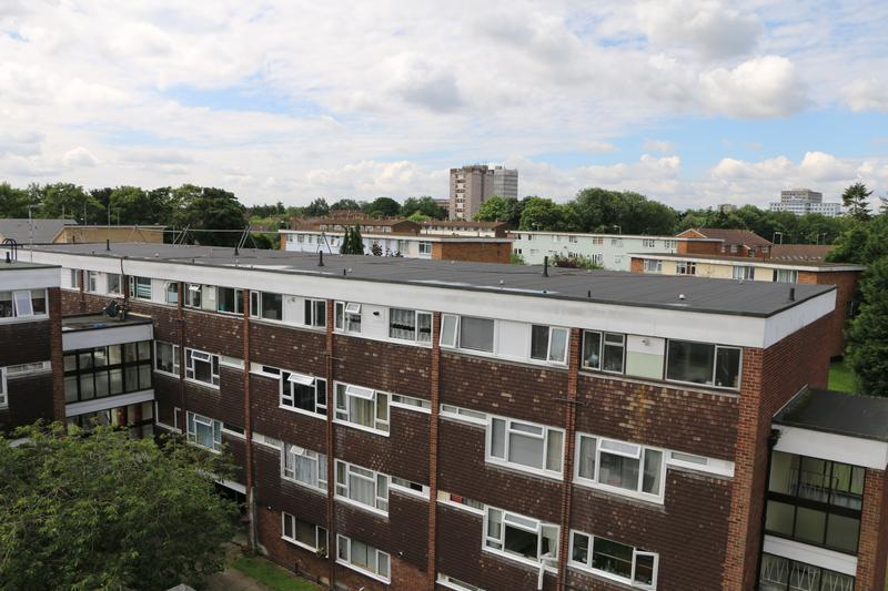 Image 80 - New Felt Flat Roof over a Block of Flats in Harlow