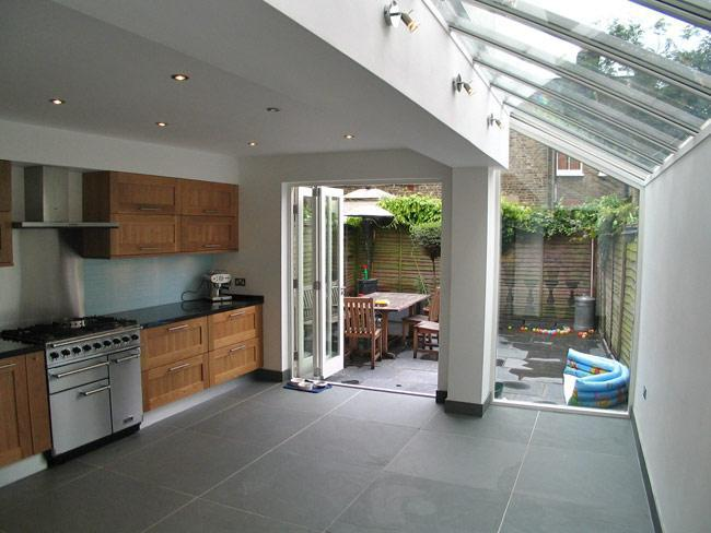 Image 65 - We built the extention and fitted the new glass roof very nice i think