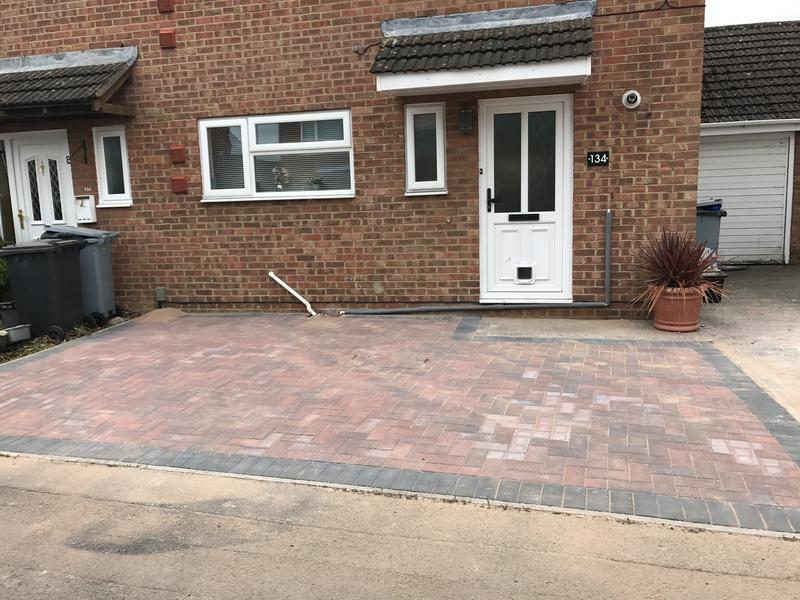 Image 11 - Bradstone Brindle with a Charcoal border and a manhole cover!