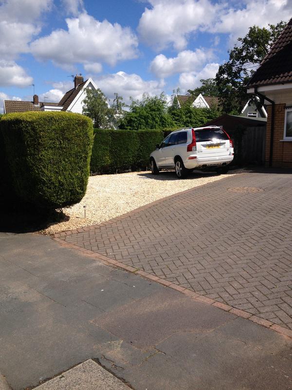 Image 76 - Stone driveway