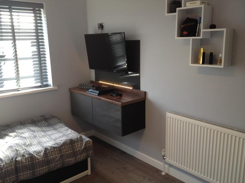 Image 20 - Tennagers Bedroom with bespoke TV unit