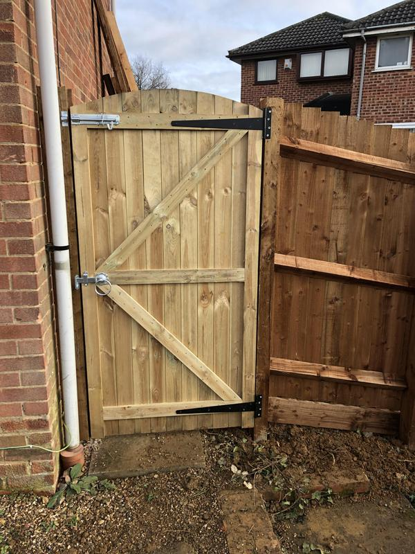 Image 14 - 6ft Arch top Gate