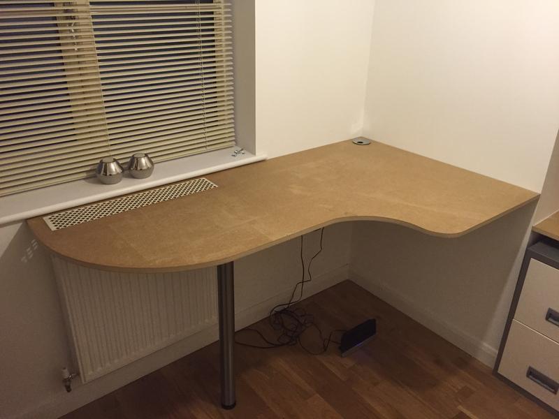 Image 107 - Office desk