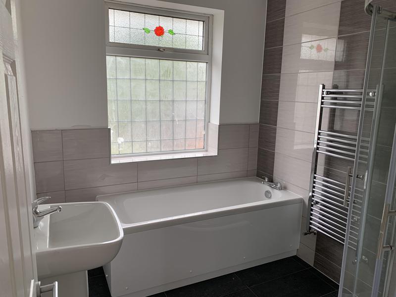 Image 20 - Sundridge Park bathroom