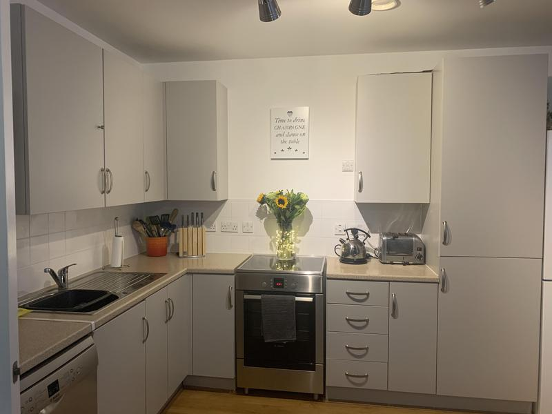 Image 18 - Kitchen cupboards (after)
