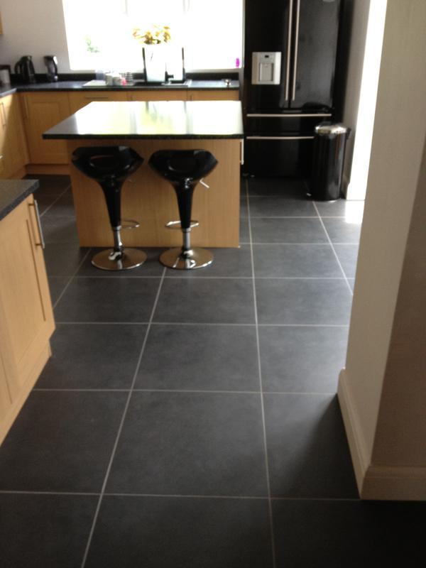 Image 6 - 60cm x 60cm Rectified porcelain floor