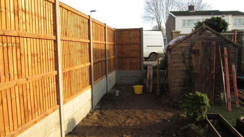 Image 44 - 8ft (H) close boarded fence with retaining gravel boards
