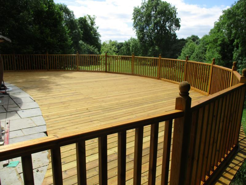 Image 19 - Timber decking and balustrade.