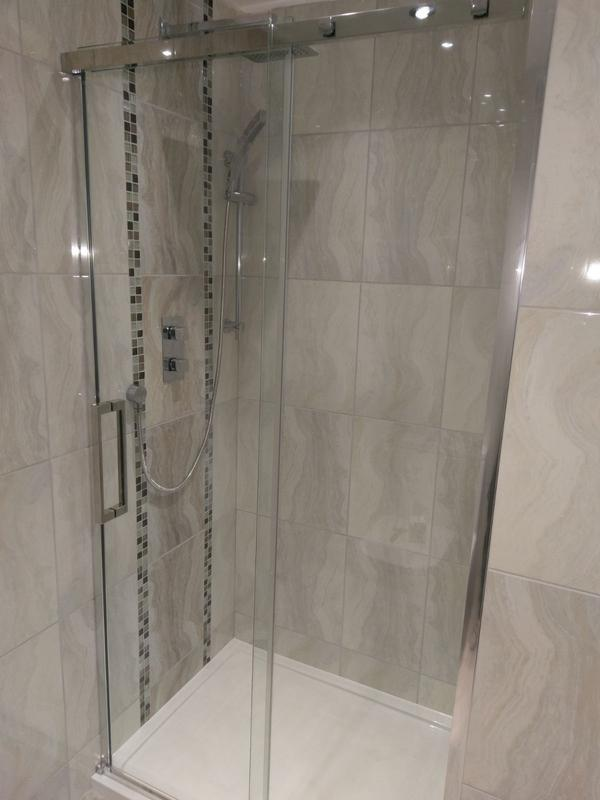 Image 34 - Shower Cubicle (Brentwood)