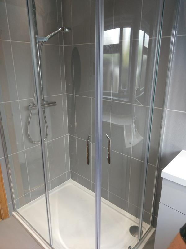 Image 39 - Shower cubicle (Billericay)