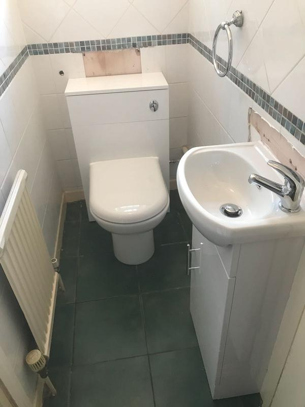 Image 48 - New cloakroom suite