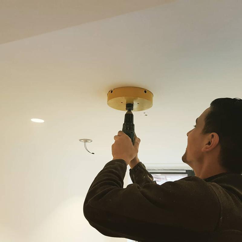 Image 59 - Lightening Installers