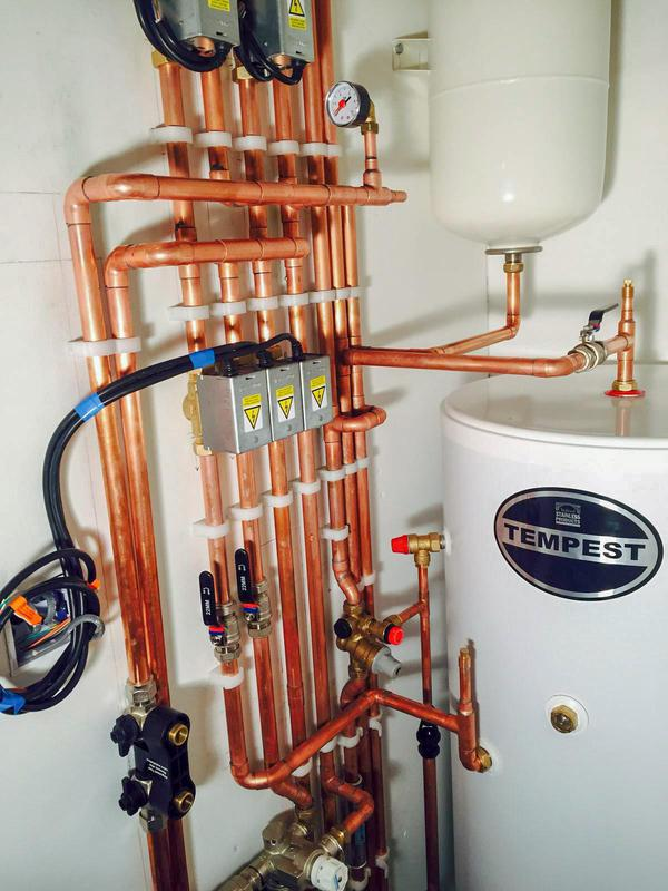 Image 21 - Tempest How water cylinder and Vaillant 930 with 3 zones