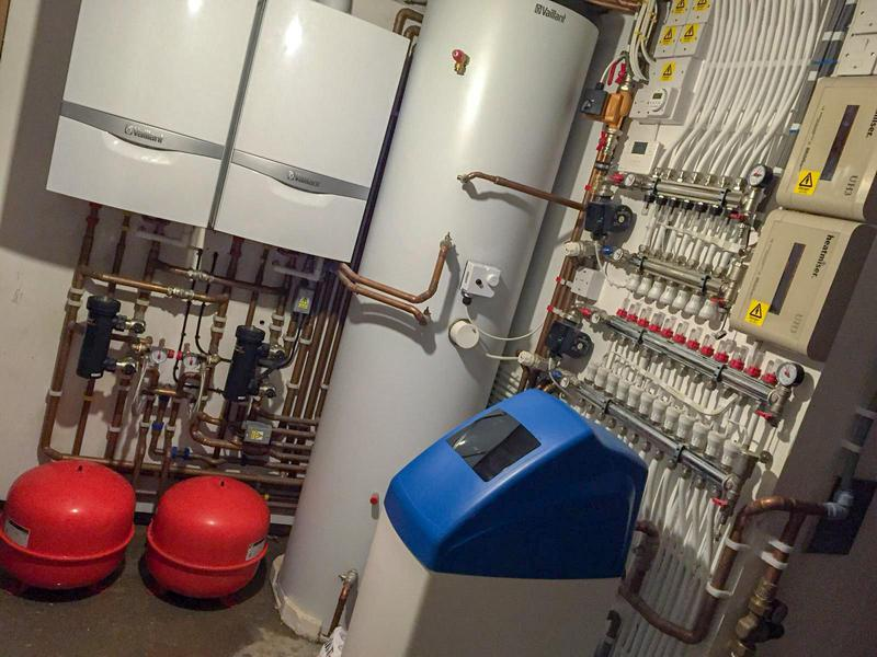 Image 25 - 2x Vaillant 930 + 19 loops on underfloor heating 7/12. Heatmiser controllers