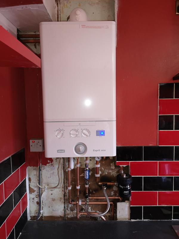 Image 11 - Ideal Esperit 30KW combination boiler installed equipped with a magnetic filter and inline scale inhibitor. 5 years parts and labour warranty.