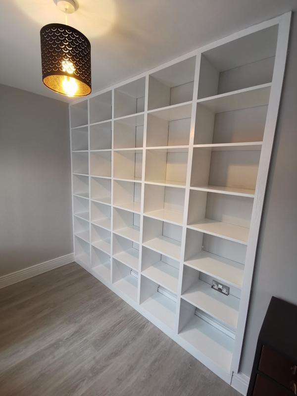 Image 4 - Bookcase