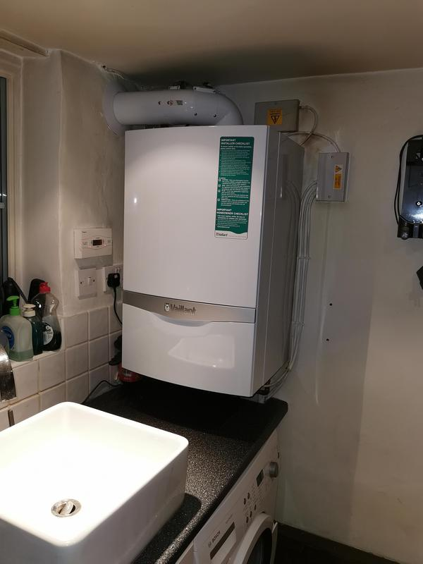 Image 5 - New Vaillant ecoTec plus 637 installed equipped with Magna Clean Filter. 5 years parts and labour warranty.