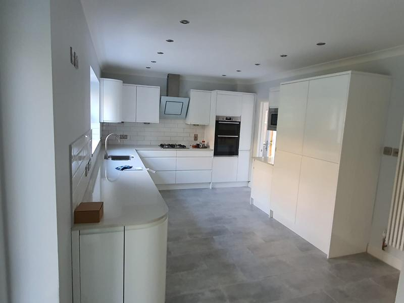 Image 9 - New kitchen fitted with integrated fridge and freezer
