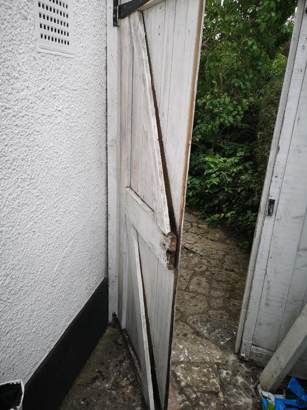 Image 9 - Side gate in Epsom BEFORE