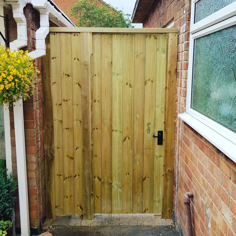 Image 2 - Rear garden gate and panel completed recently