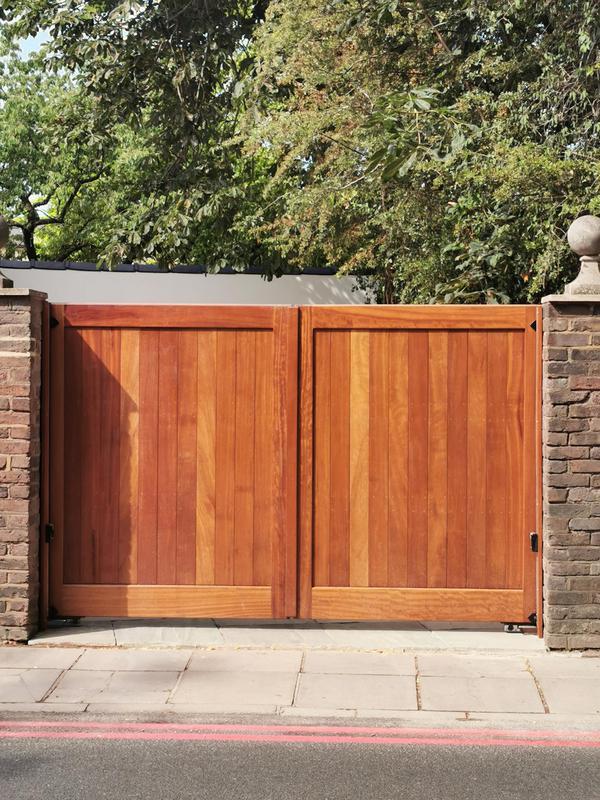 Image 2 - Electric Gates Kew
