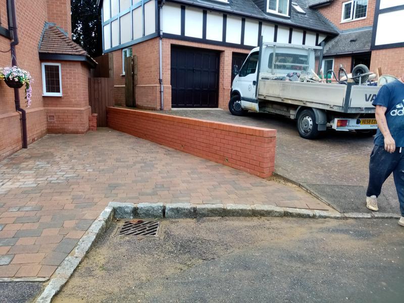 Image 1 - New boundary wall in engeenerings.