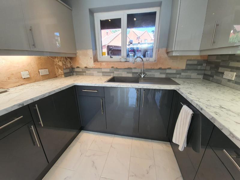 Image 3 - Splashback tiling
