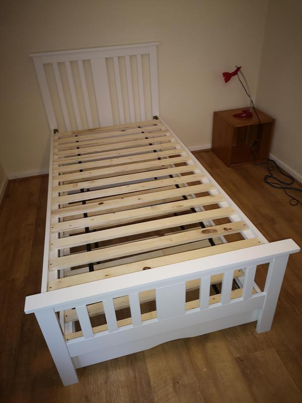 Image 26 - bed assembled