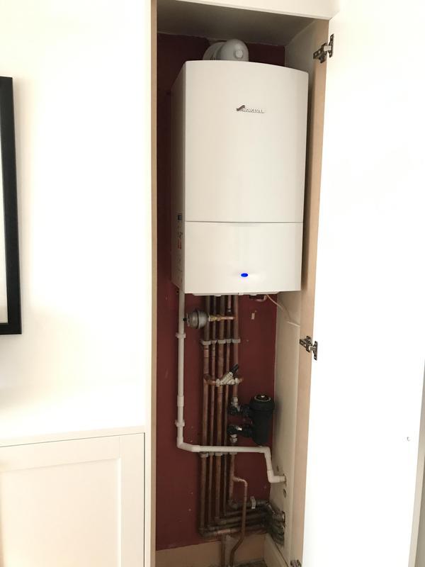 Image 16 - Worcester Bosch combi boiler install