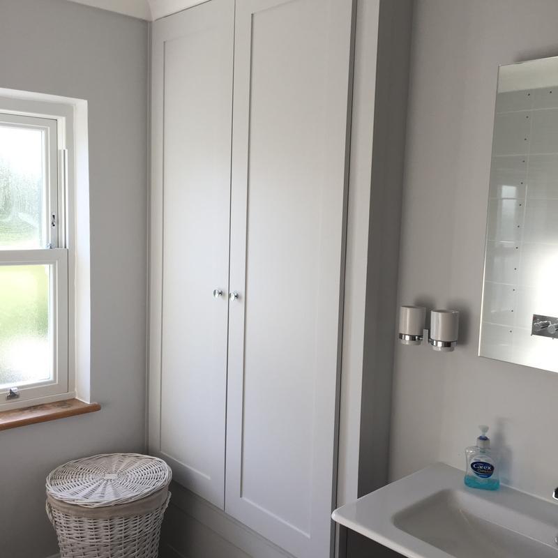 Image 20 - Built-in bathroom cupboard for storage